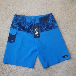 Oakley Men Resin Camo Board Shorts